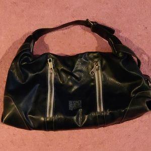 2/$15 Matt and Nat Handbag